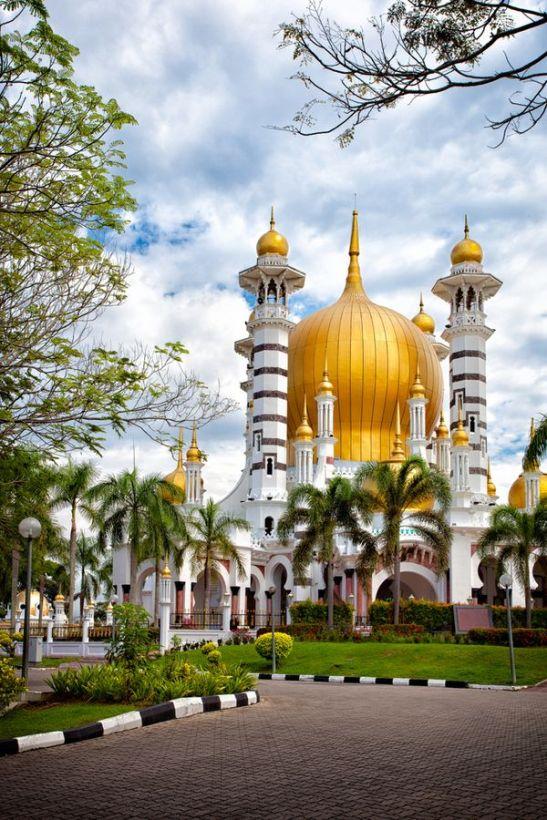 Beautiful Mosques Around The World (Malaysia